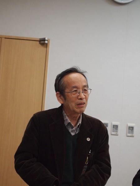 期日後の記者会見で、実効性のない避難計画なしで原発の再稼働は認められないと説明する後藤弁護士